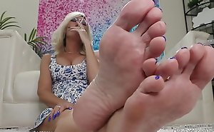Amazing Mummy Feet